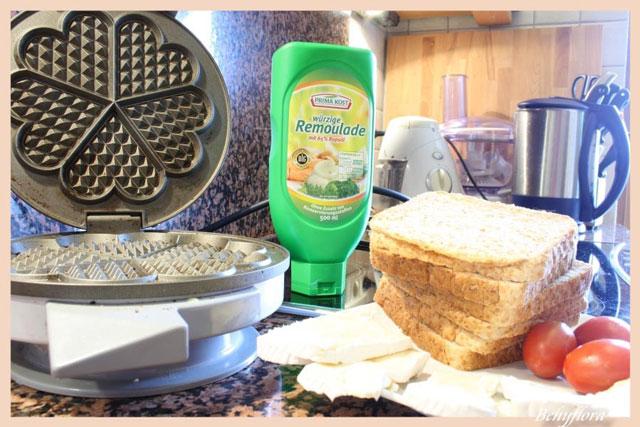 Zutaten für Waffeleisen Toasts