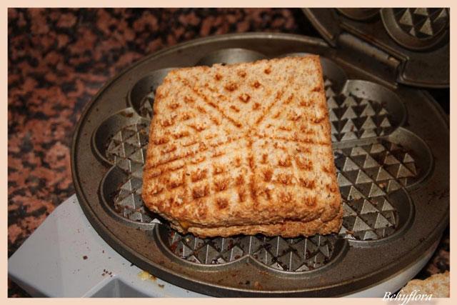 Waffeleisen Toast sind schnell selbst gemacht und schmecken jedem