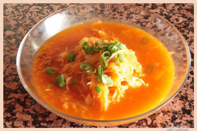 Diese Sauerkraut-Suppe ist nicht nur lecker, sondern auch kalorienarm.