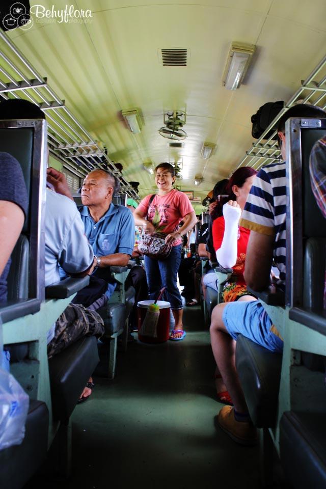 Zugfahren in Thailand macht Spaß