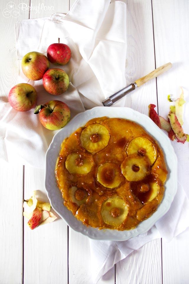 Karamell und Apfelpfannkuchen passen einfach perfekt zusammen