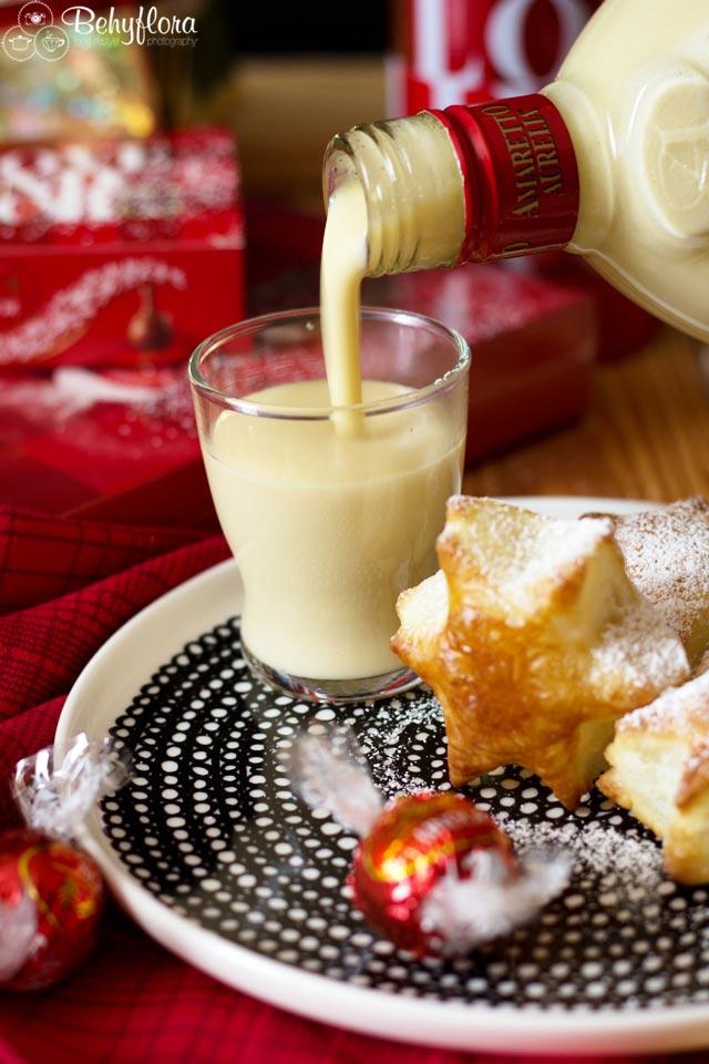 Lecker - cremig -warm - dieser Marzipanlikör passt perfekt zu Weihnachten
