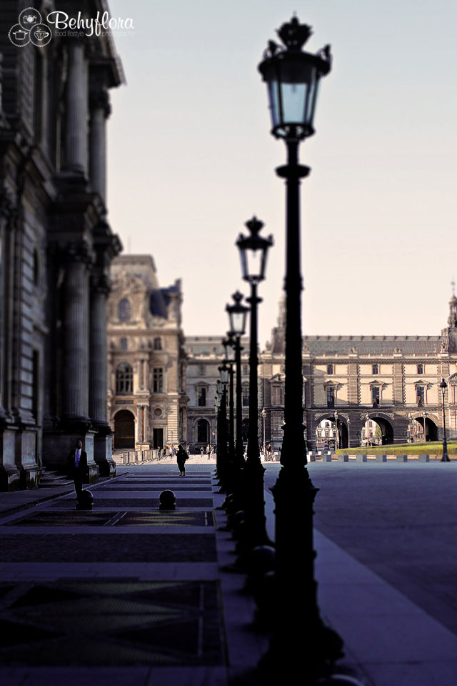 Morgens am Louvre