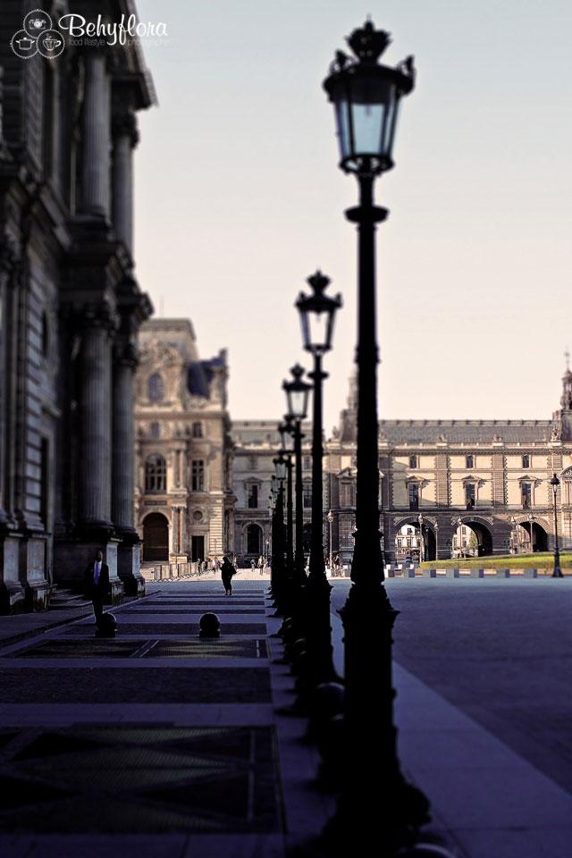 Morgens am Louvre