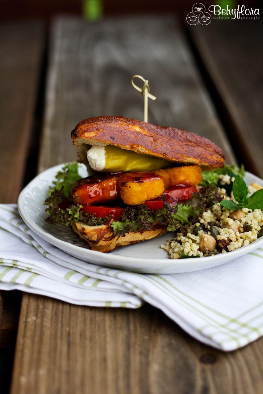 Rustikal, lecker, deftig - Dieser schnelle Veggie Burger kann all das