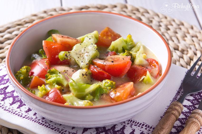 lecker - Brokkoli-Pfanne mit Tomaten und Weißwein