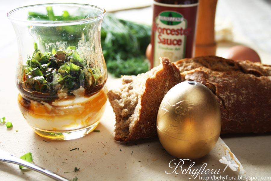 Ei im Glas zum Frühstück
