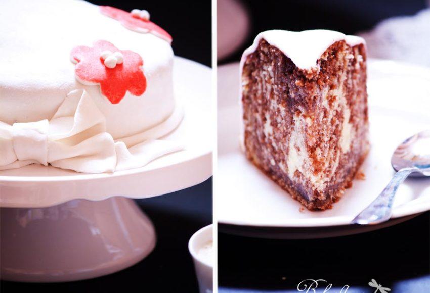 Zebrakuchen mit Marshmallow-Fondant
