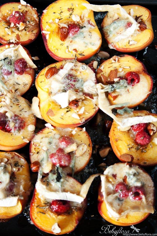 frisch vom Blech Pfirsiche mit Gorgonzola