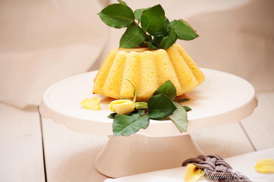 Hugo-Zitronen-Kuchen mit Grieß