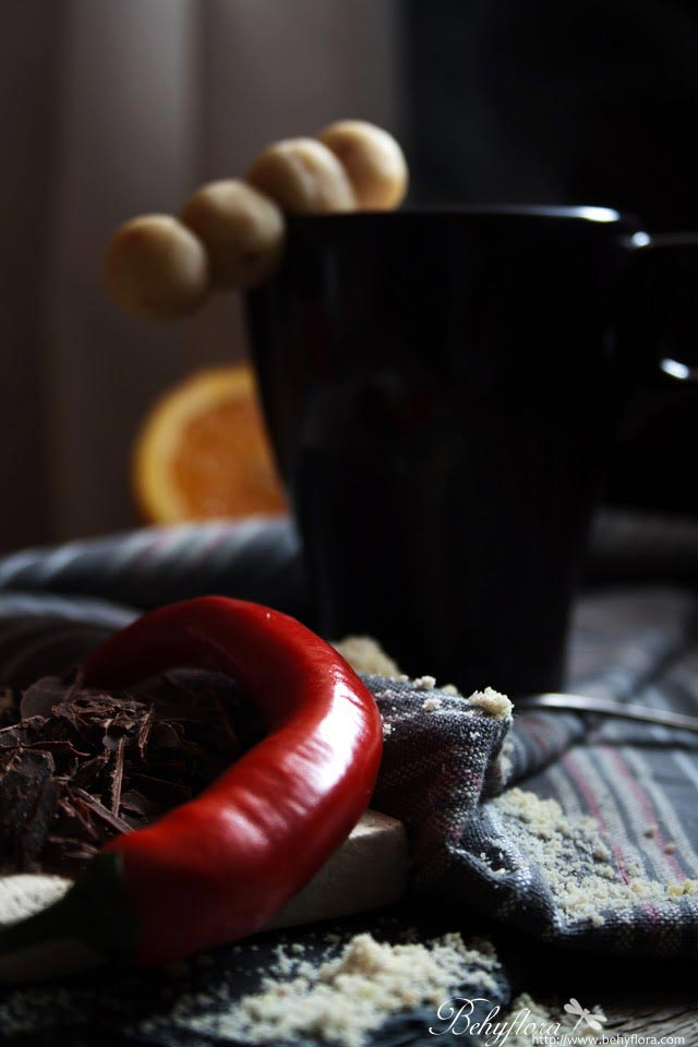Selbstgemachter Marzipan mit Chili
