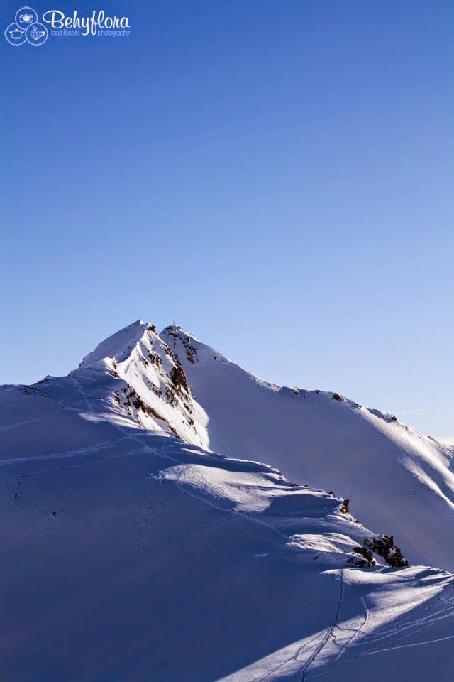 Schnee und Gipfel