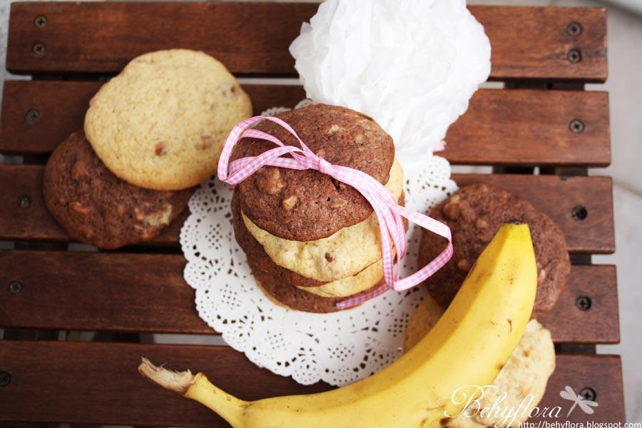 Bananen-Cookies mit Schokolade und Nüssen