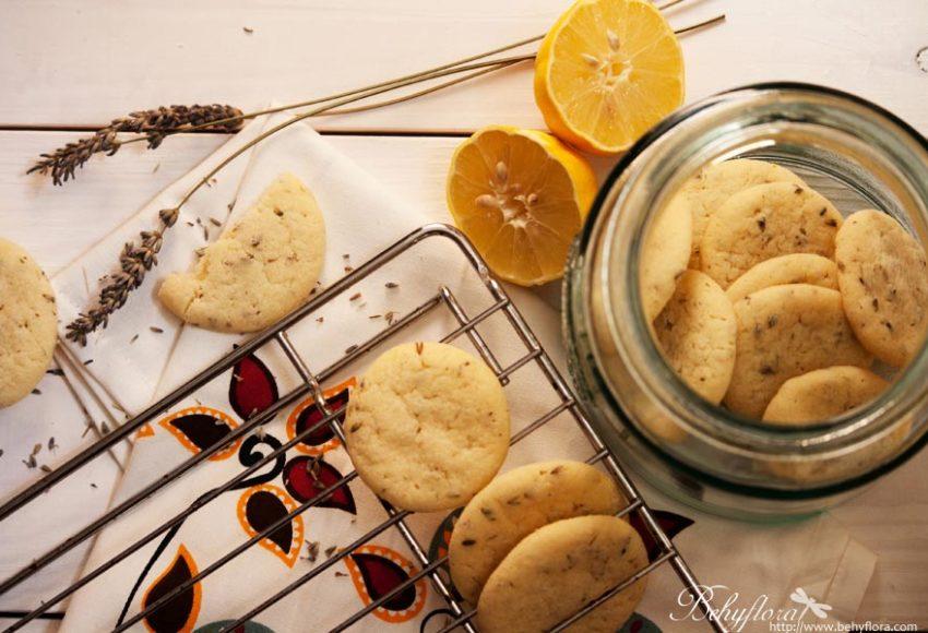 Zitronen-Cookies mit Lavendel und Tonka