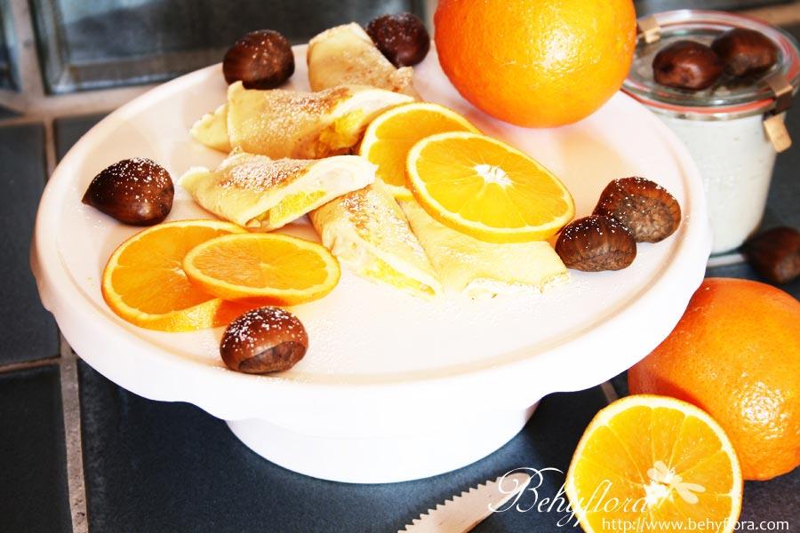 Pfannkuchen mit Orangenscheiben
