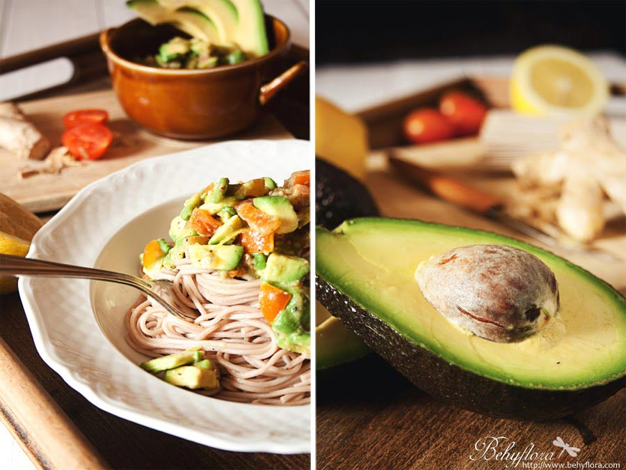 Buchweizen-Nudeln mit Guacamole